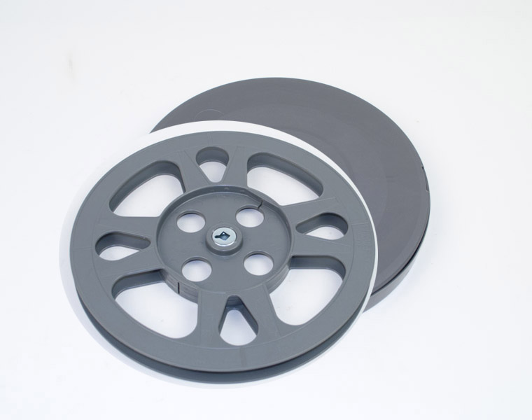 16mm filmspoel + doos 240m