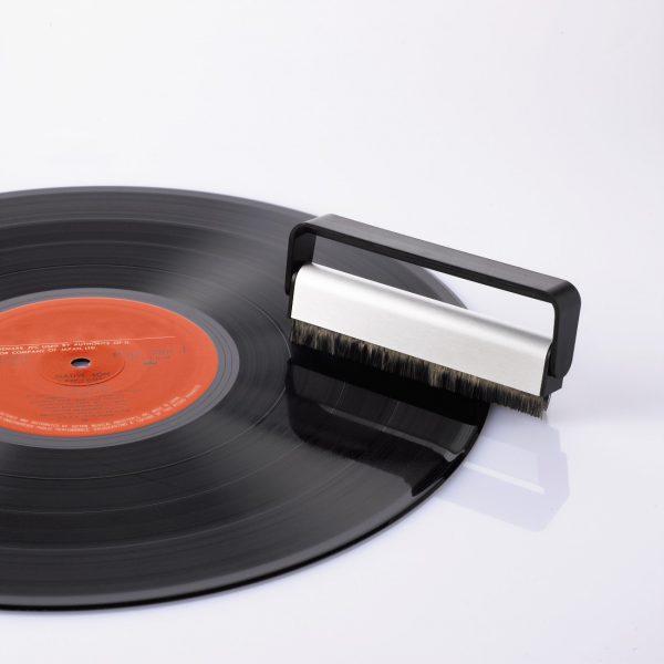 Vinyl reiniging: Carbonborstel Hama (Hama 44707)