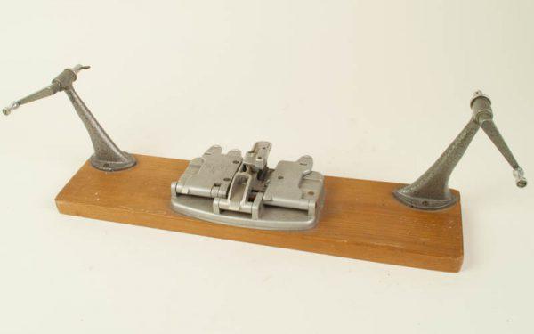 Rewinder Muray 120m Regular8 (met plakpers voor Dubbel8 en 16mm films)